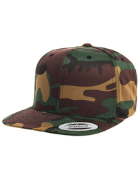 Yupoong Classic Snapback in Camo